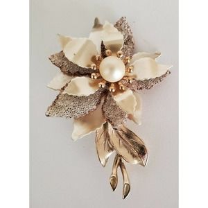Flower Pin Gold Tone Faux Pearl Layered Brooch